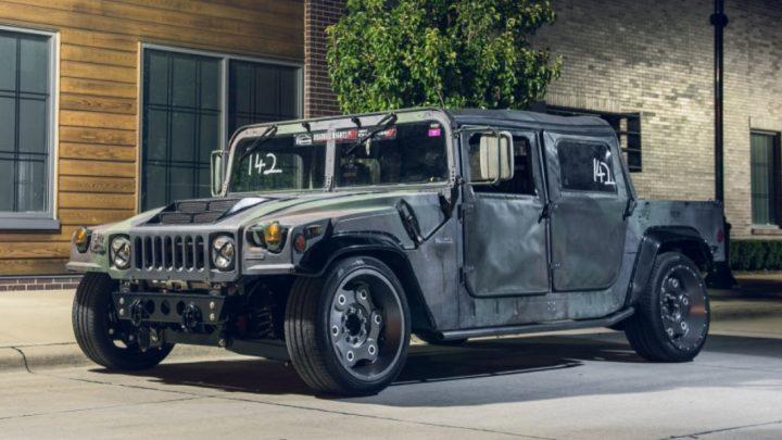 Tento Hummer H1 upravený na okruh má 800 koní