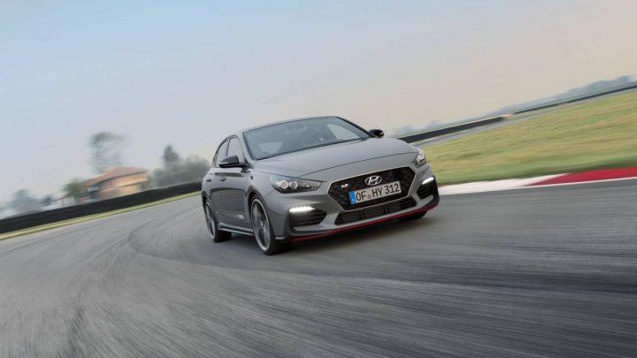 Nový Hyundai i30N Fastback je rýchlejší ako Octavia RS245, dokonca stanovil nový rekord medzi Rímom a Parížom