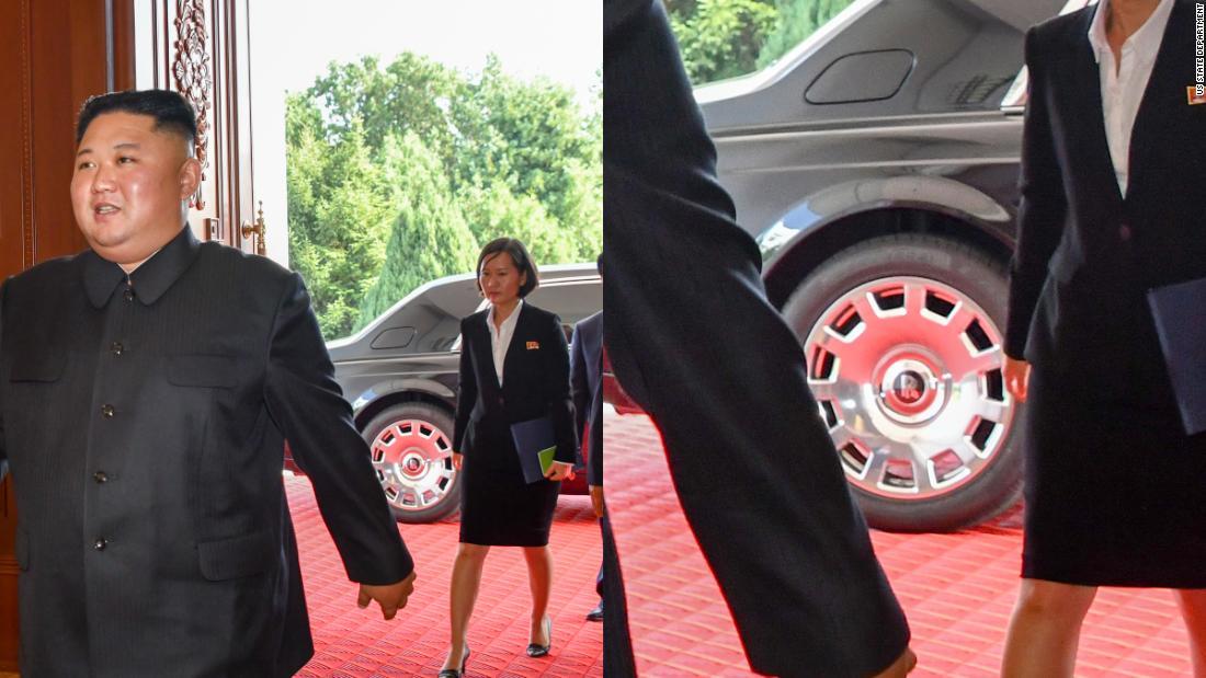 Kim Čong-Un sa zbavil Mercedesu a začal sa voziť v Rolls-Royce Phantom.