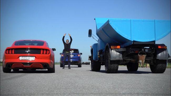 Zil 130 vs Ford Mustang. Kto vyhraje na šprinte?