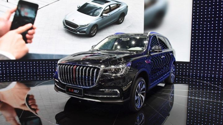 Číňania predstavili luxusné SUV. Voziť sa na ňom budú aj členovia komunistickej strany.