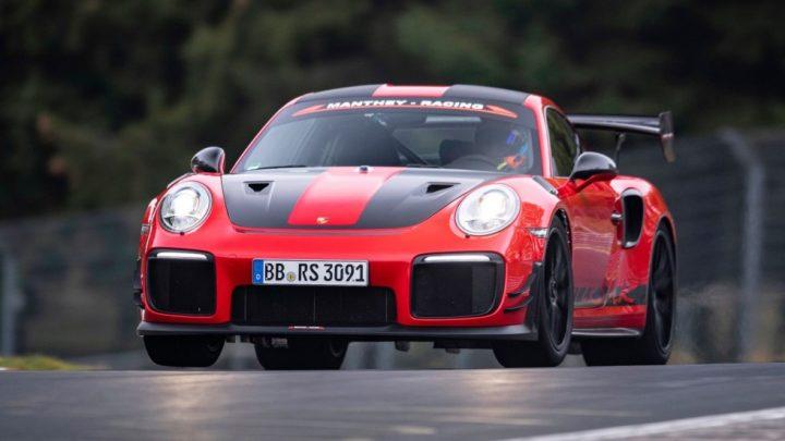Porsche 911 GT2 RS MR je nový držiteľ rekordu na Nürburgringu.
