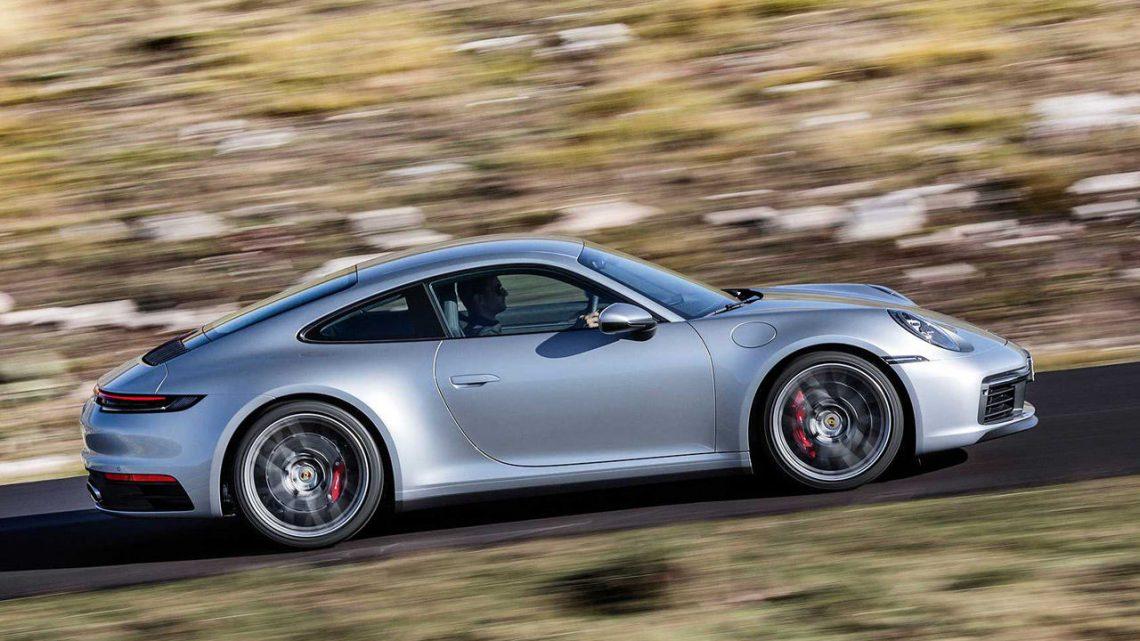 Nové Porsche 911 bolo predstavené. Dostáva tradičný dizajn, novú prevodovku a vyšší výkon.
