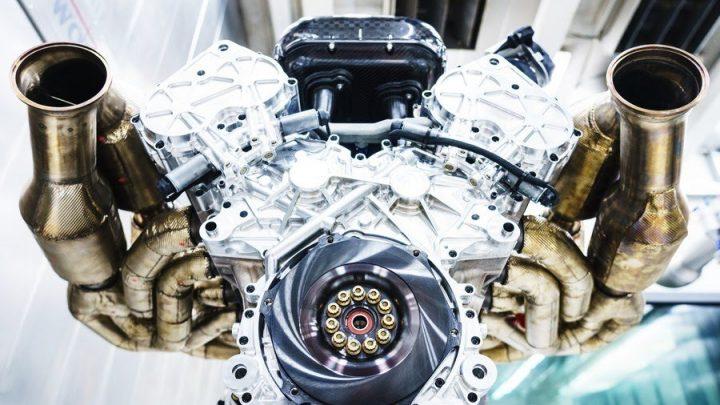 Aston Martin Valkyrie bude poháňať atmosférický 6,5 litrový dvanásťvalec. Jeho zvuk je výborný.