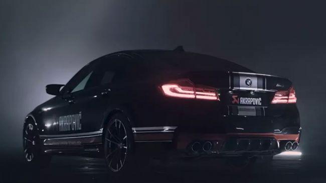 Akrapovič predviedol upravené výfuky pre BMW M5