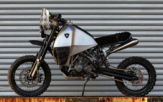 Spoločnosť Rev'it predstavila KTM Super Enduro s pohonom všetkých kolies.