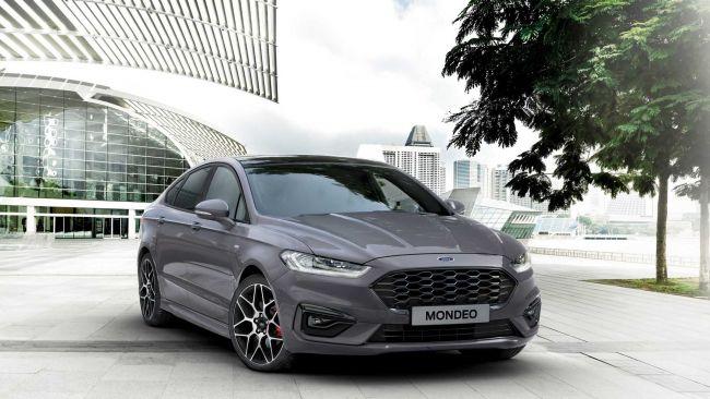 Ford predstavil aktualizované Mondeo. Do ponuky pribudla hybridná verzia.