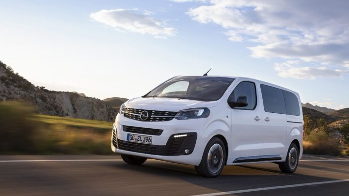 Opel predstavil nový minibus na francúzskom základe.