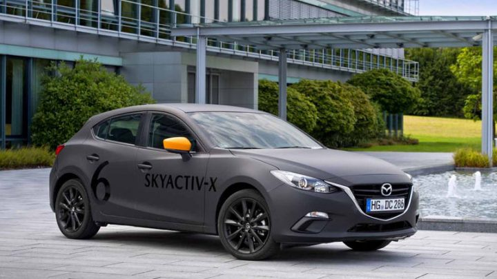 Mazda odhalila údaje o novom revolučnom motore SkyActiv X.