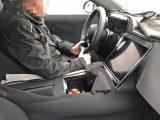 Nový Mercedes triedy S dostane aj elektrické verzie a veľký tablet v interiéri.