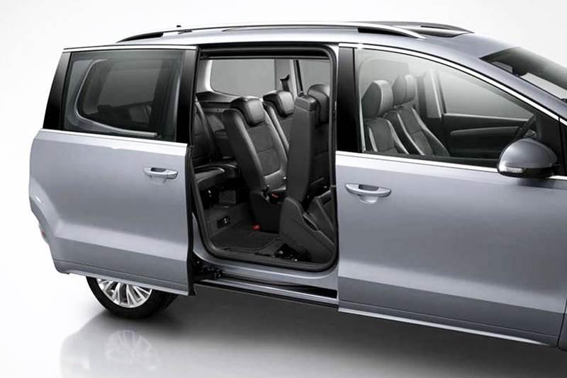 Volkswagen bude mať nový minivan, ktorý vyplní medzeru medzi Sharanom a Touranom.