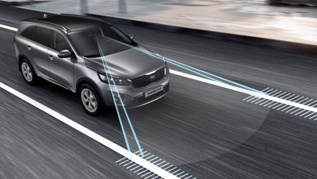 Európska únia plánuje zaviesť nové bezpečnostné prvky do vozidiel. Budú nás obmedzovať?