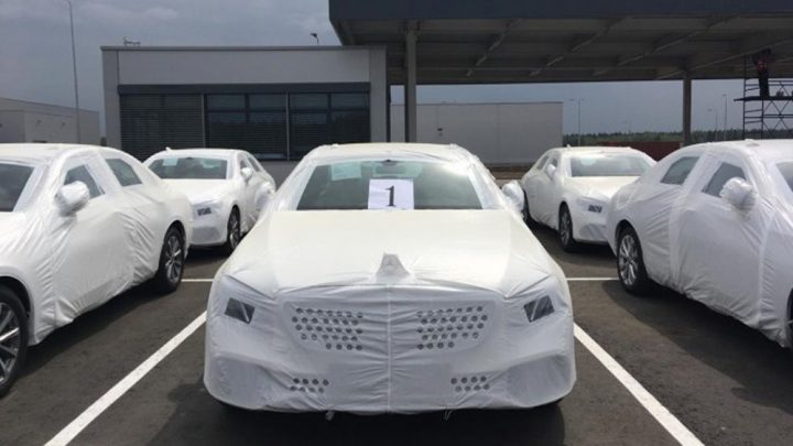 Mercedes-Benz ukázal prvé kusy triedy E vyrobené v Rusku.