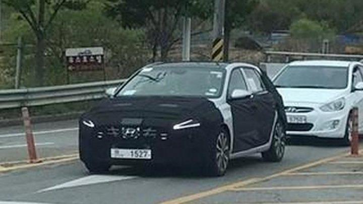 Faceliftovaný Hyundai i30 bol nafotený pri testovaní.