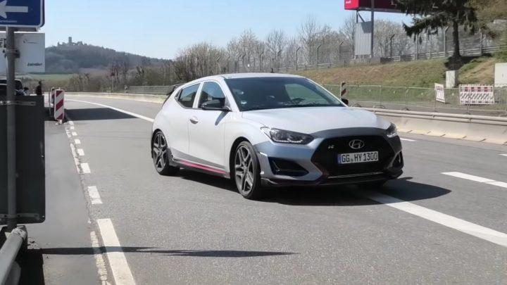 Hyundai Veloster N so 7-stupňovou automatickou prevodovkou DCT bol natočený na Nürburgringu.