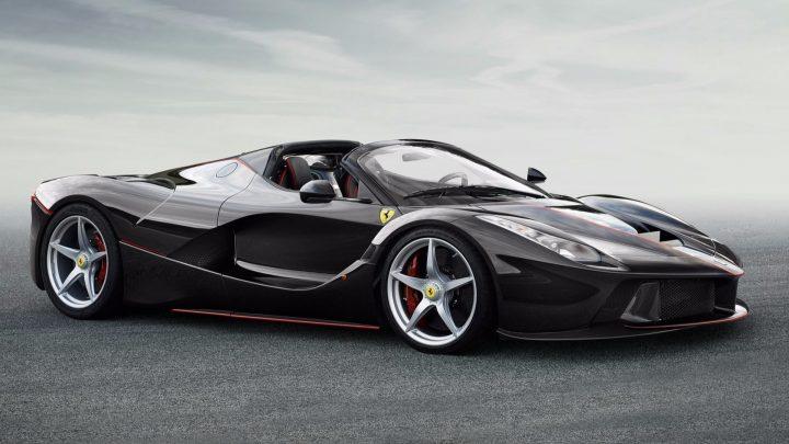 Ferrari predstaví nový hybridný superšport už tento mesiac. Poháňať ho bude pravdepodobne šesťvalec.