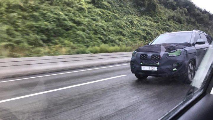 SsangYong Rexton prejde čoskoro faceliftom. Testovacie vozidlo bolo nafotené pri testovaní.