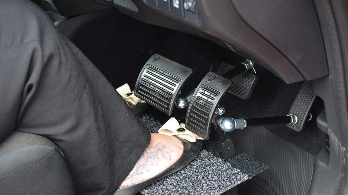 Vozidlá Toyota budú mať systém, ktorý zabráni zámene brzdového a plynového pedála.