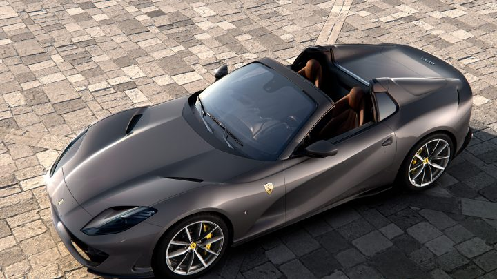 Ferrari predstavilo nový kabriolet 812 GTS. Atmosférický dvanásťvalec má výkon až 800 koní.