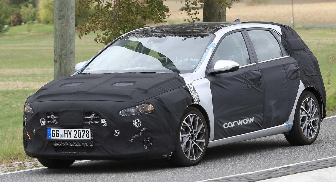 Čo všetko vieme o facelifte Hyundai i30? Poďme sa na tento obľúbený hatchback pozrieť.