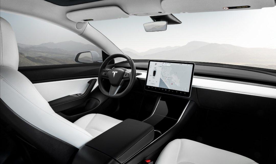 Tesla si patentovala neobvyklú technológiu na vyhrievanie a chladenie sedadiel.