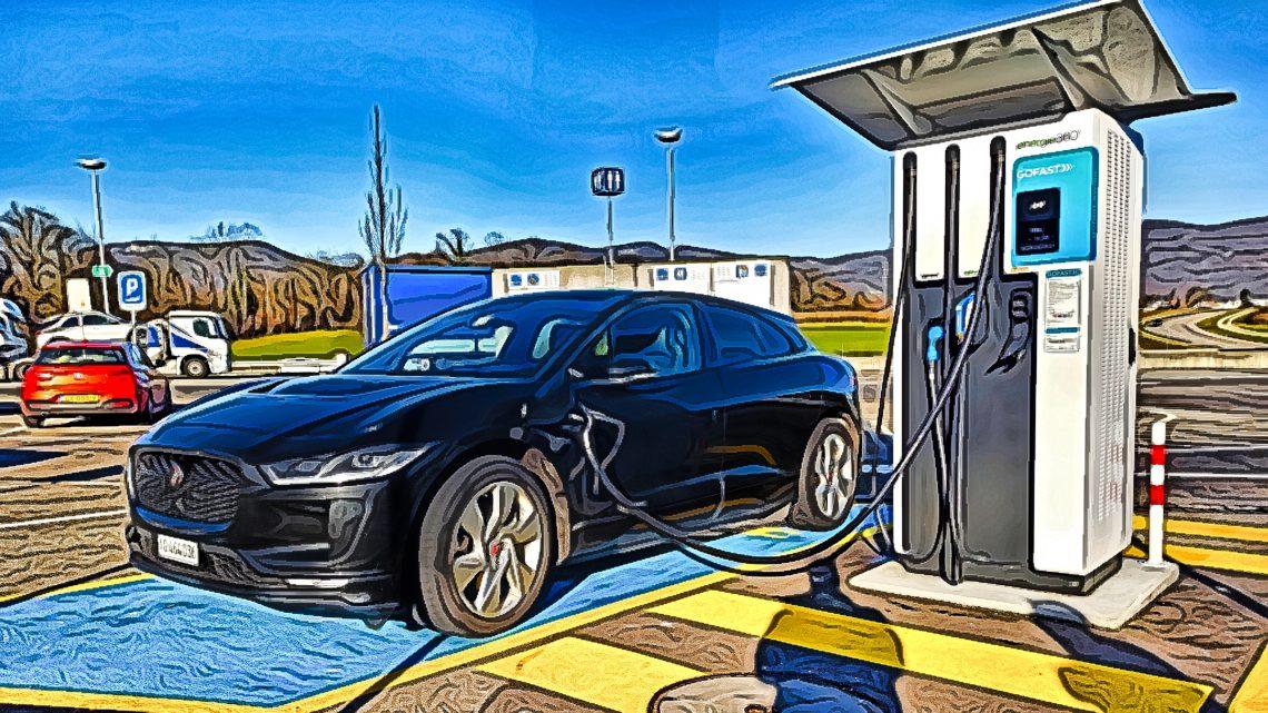 Prešli sme s elektromobilom viac ako 4 000 kilometrov. Aké skúsenosti máme?