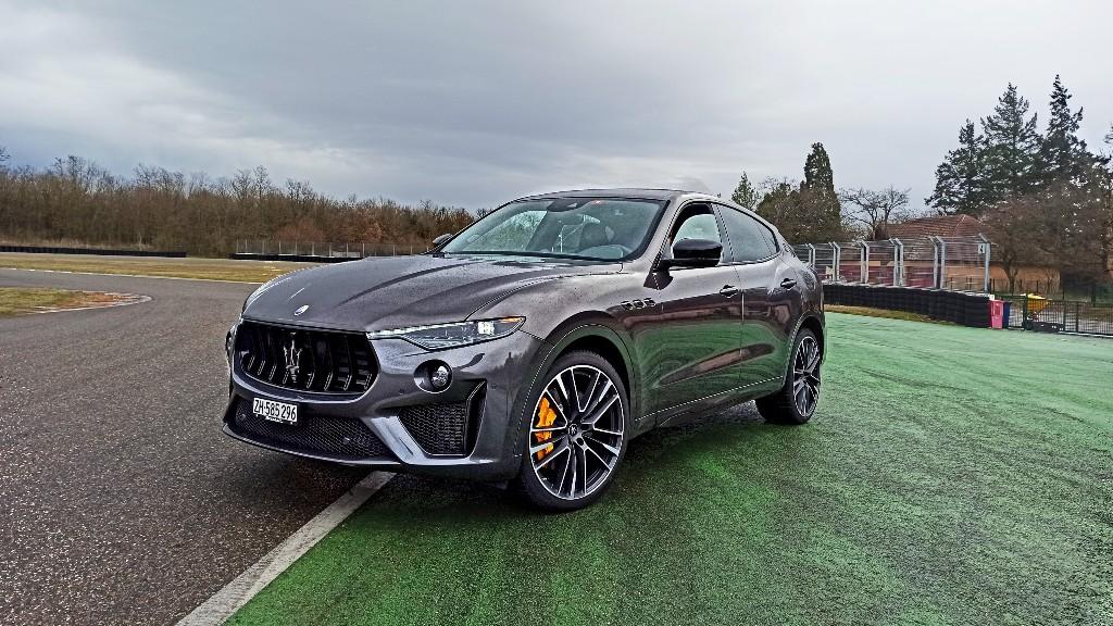 Test Maserati Levante Trofeo. Ako jazdí SUV od Maserati s motorom Ferrari?