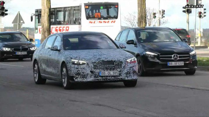 Nový Mercedes-Maybach triedy S bol nafotený pri testovaní.