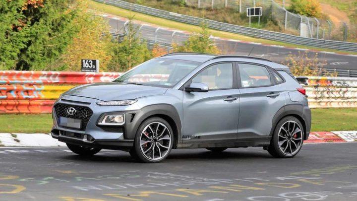 Hyundai Kona N bol nafotený s kamuflážou. Čo ponúkne športový crossover?