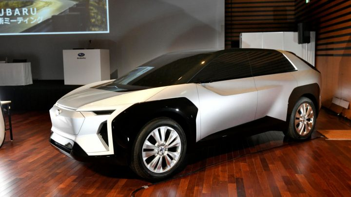 Subaru plánuje predstaviť svoje prvé elektrické vozidlo Evoltis v roku 2021.