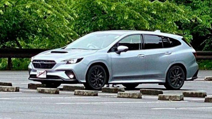 Nová generácia Subaru Levorg bola odfotená bez kamufláže.