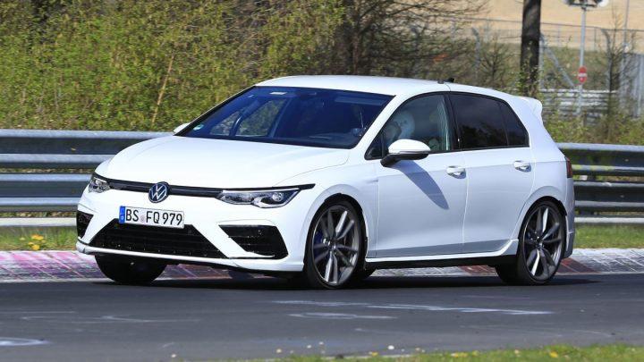 Volkswagen pripravuje hybridný Golf R+ s výkonom 410 koní.