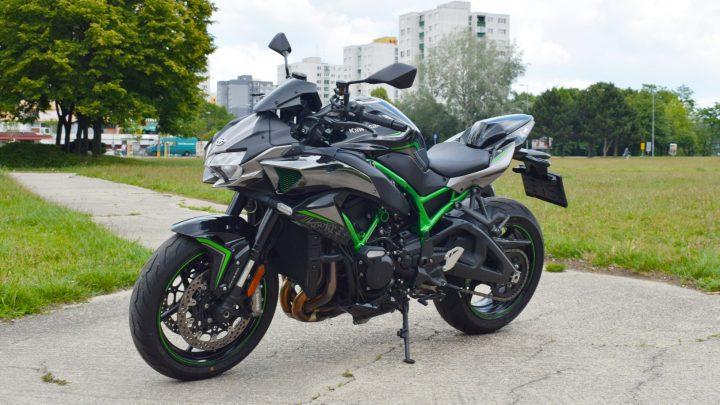 Test Kawasaki Z H2 2020. Toto je najbrutálnejšia motorka.