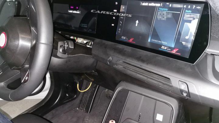 Nové BMW radu 2 Active Tourer dostane moderný interiér.