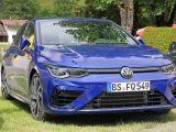 Nový Volkswagen Golf R bol nafotený.
