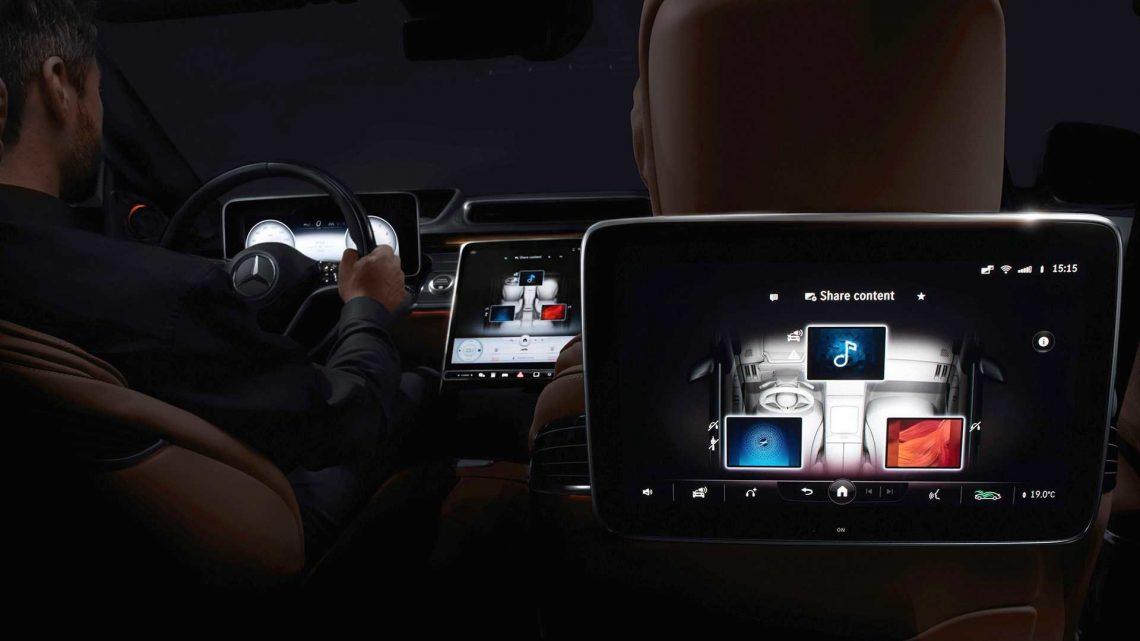 Mercedes-Benz triedy S dostane MBUX druhej generácie a množstvo displejov.