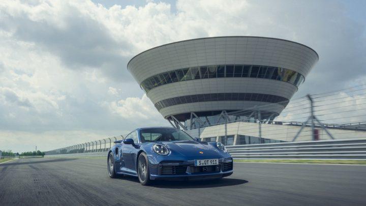Porsche predstavilo 911 Turbo. Čo prináša slabšia verzia?
