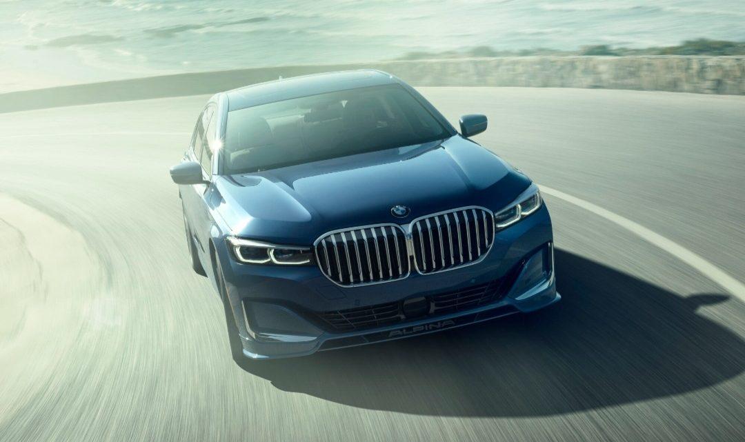 BMW v reklamnom videu chváli Mercedes-Benz triedy S.
