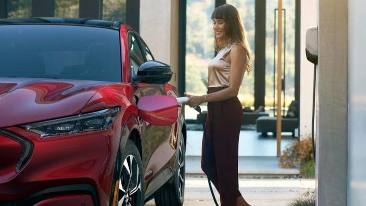 Výroba elektrických vozidiel vyprodukuje o 63% viac CO2 ako výroba vozidiel so spaľovacím motorom.