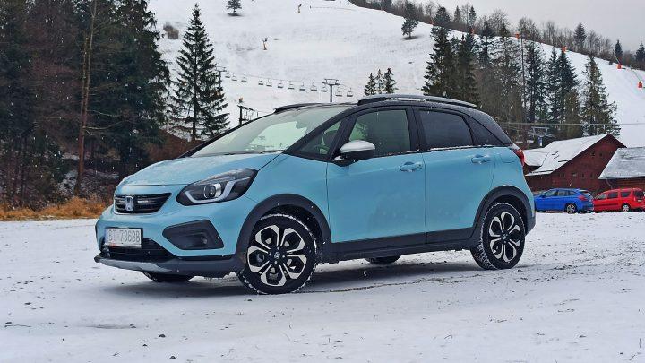 Honda Jazz Crosstar Hybrid | Test | Zvládne niečo na snehu aj bez 4×4?