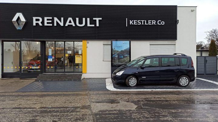 U autorizovaného predajcu nových vozidiel môžeš predať alebo kúpiť jazdené vozidlo.