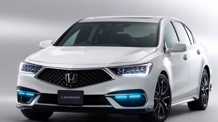Aktualizovaná Honda Legend je prvé vozidlo na svete s autopilotom tretej generácie.