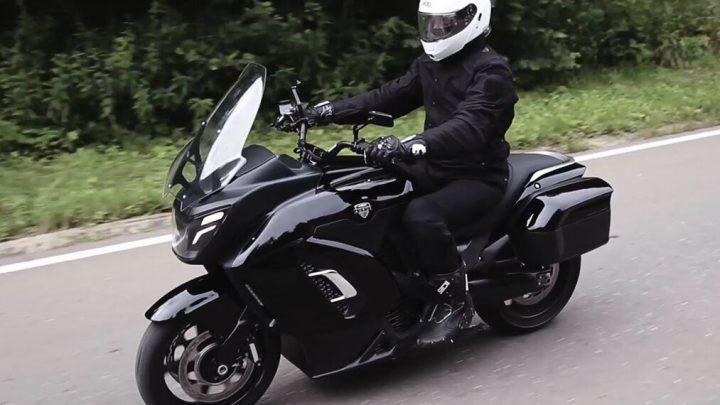 Nový motocykel Aurus má 190 koní a bude sprevádzať prezidentskú kolónu.