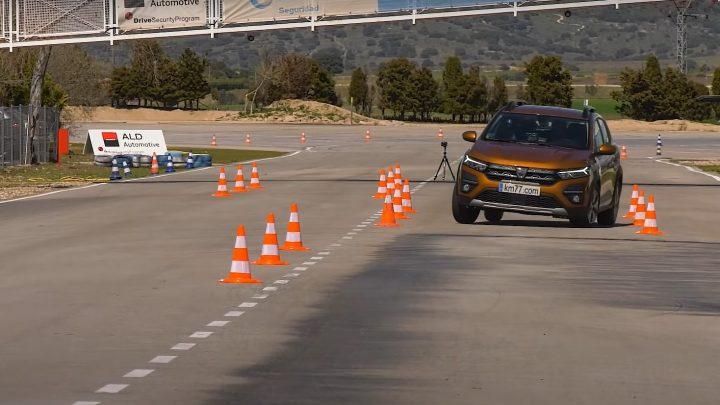 Dacia Sandero zvládla losí test lepšie ako Volkswagen Golf alebo Audi A3.