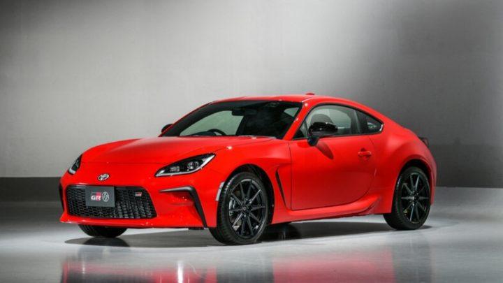 Toyota predstavila nové športové coupe GR86, ktoré nahradí GT86.