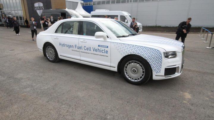 Aurus Senat je už aj na vodíkový pohon. Zatiaľ len ako prototyp.