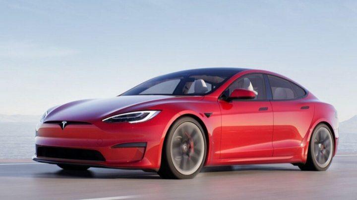 Tesla predstavila najrýchlejší Model S s brutálnym výkonom.