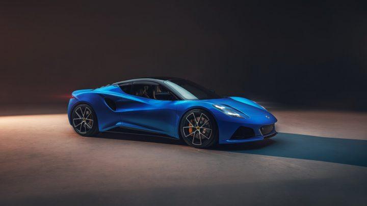 Lotus predstavil nový model Emira. Pod kapotou je šesťvalec, ale na nízku váhu zabudni.
