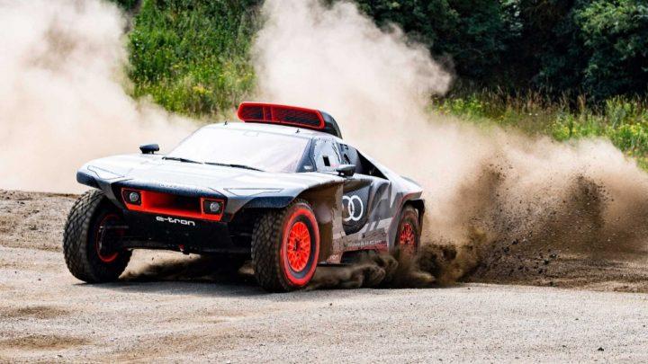 Hybridné Audi RS Q e-tron používa technológiu z Formula-E. Budúci rok štartuje na rally Dakar.