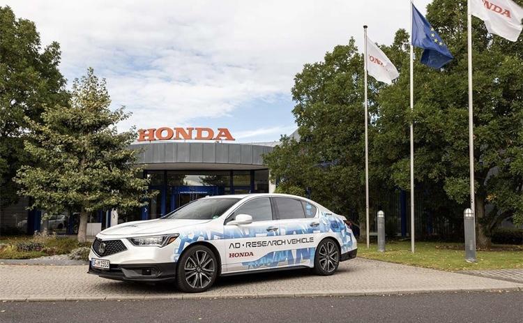 Honda Legend autopilot